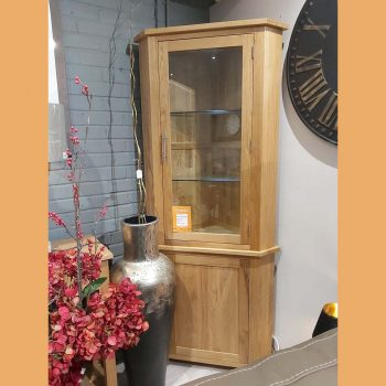 Oak corner unit with glass display